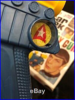 1967 STAR TREK William Shatner & Leonard Nimoy Original REMCO BUZZ RAY GUN