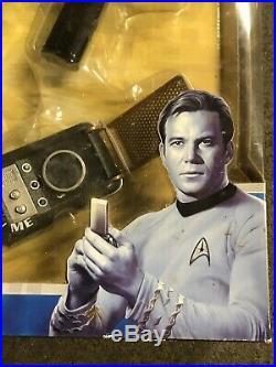 Diamond Select Tv Star Trek Original Phaser Pistol Communicator Tricorder Set